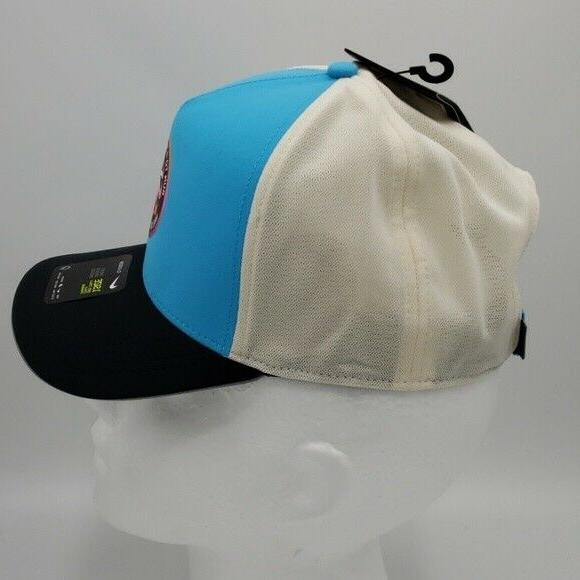 Nike Hat Running Aerobill Run Magical Place BV2192-486