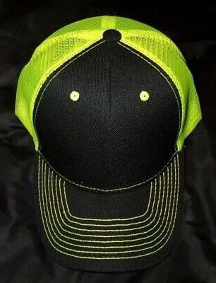 Neon back trucker Frnt cap