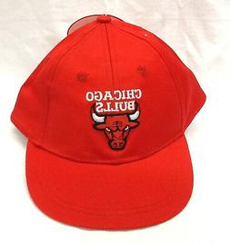 NWT Toddler NBA CHICAGO BULLS snap back cap red white basket